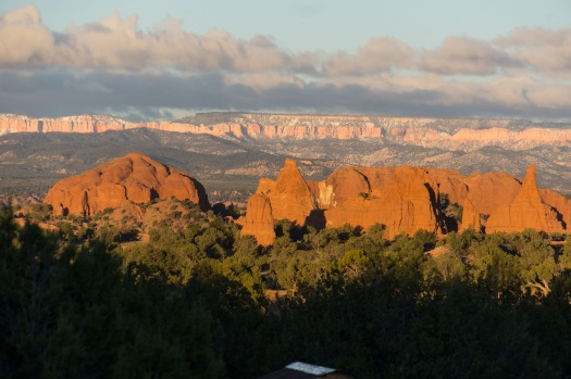 View of Bryce Canyon in the background of Kodachrome State Park